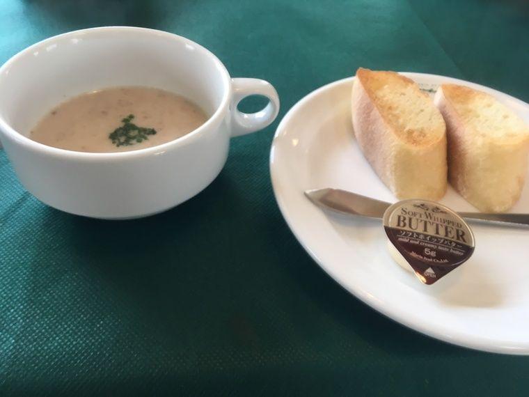 ターブル・ドゥ・リバージュ スープとパン